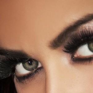 maquillaje-ojos-efecto-pestanas-postizas-1