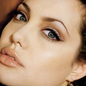 maquillaje-nude-delineador