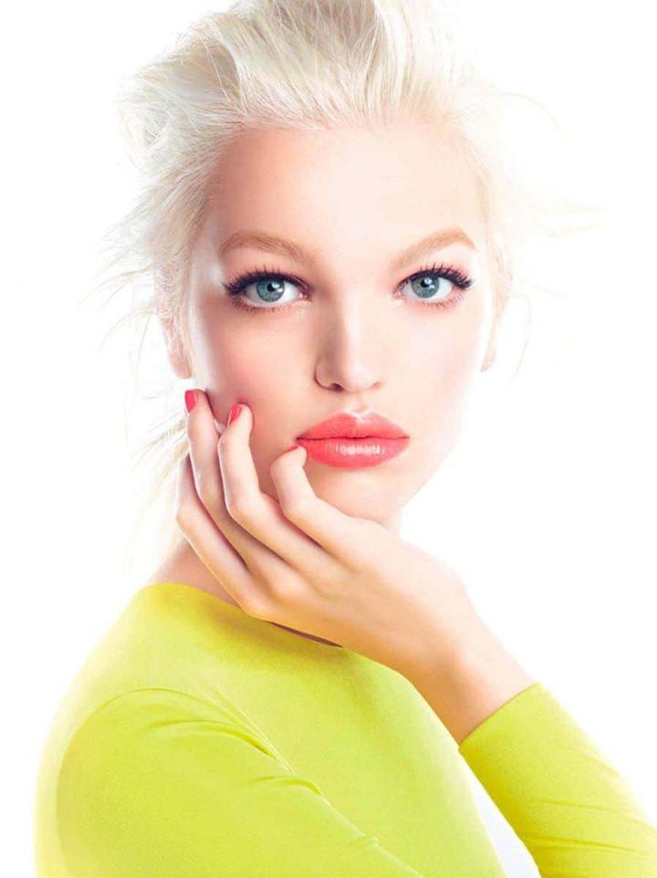 ¿Cómo elegir y aplicar brillo labial?