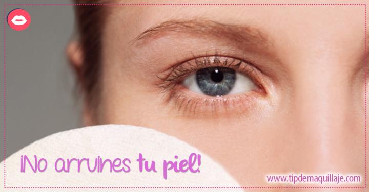 4 peligros por los que no querrás volver a dormir con tu maquillaje puesto